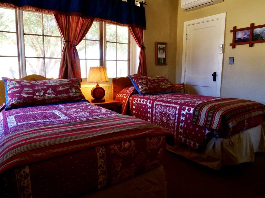 kay el bar cabin with beds