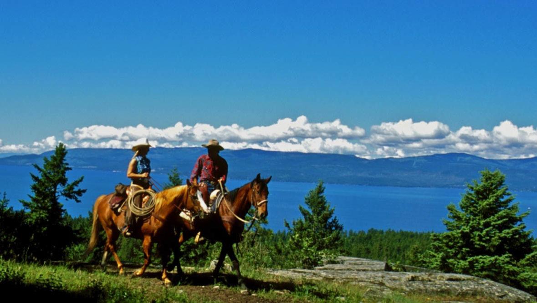 Lake trail ride at Averills Ranch