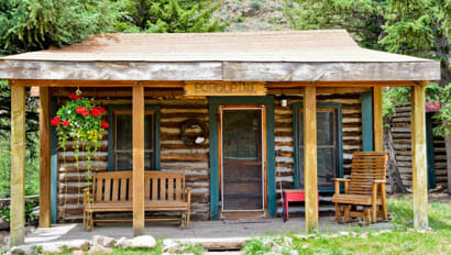 Small cabin at Cherokee Park Ranch