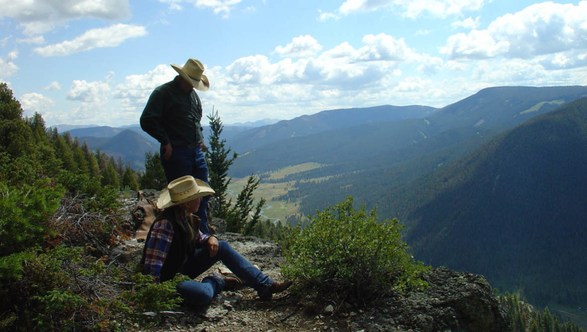Two guests looking at the view at Elkhorn Ranch Montana