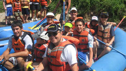 Family group rafting at Rimrock Dude Ranch