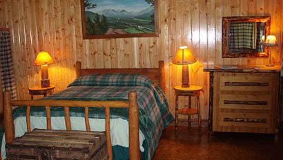 Sweet Grass Ranch lodge bedroom