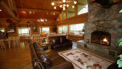 Western Pleasure loge great room