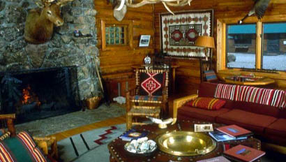 Lodge living room at Red Rock Lodge