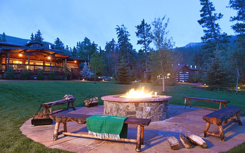Luxury Ranch Vacation Camp Fire