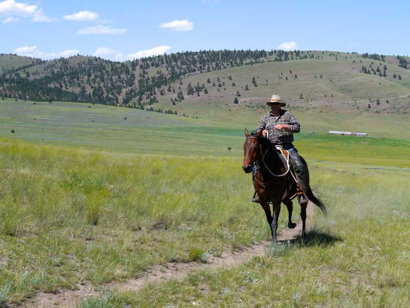 Rocking-Z-Ranch-Loping - Eco-tourism
