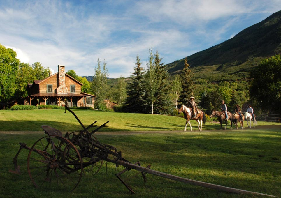 Smith Fork Panoramas That Define Rustic Luxury