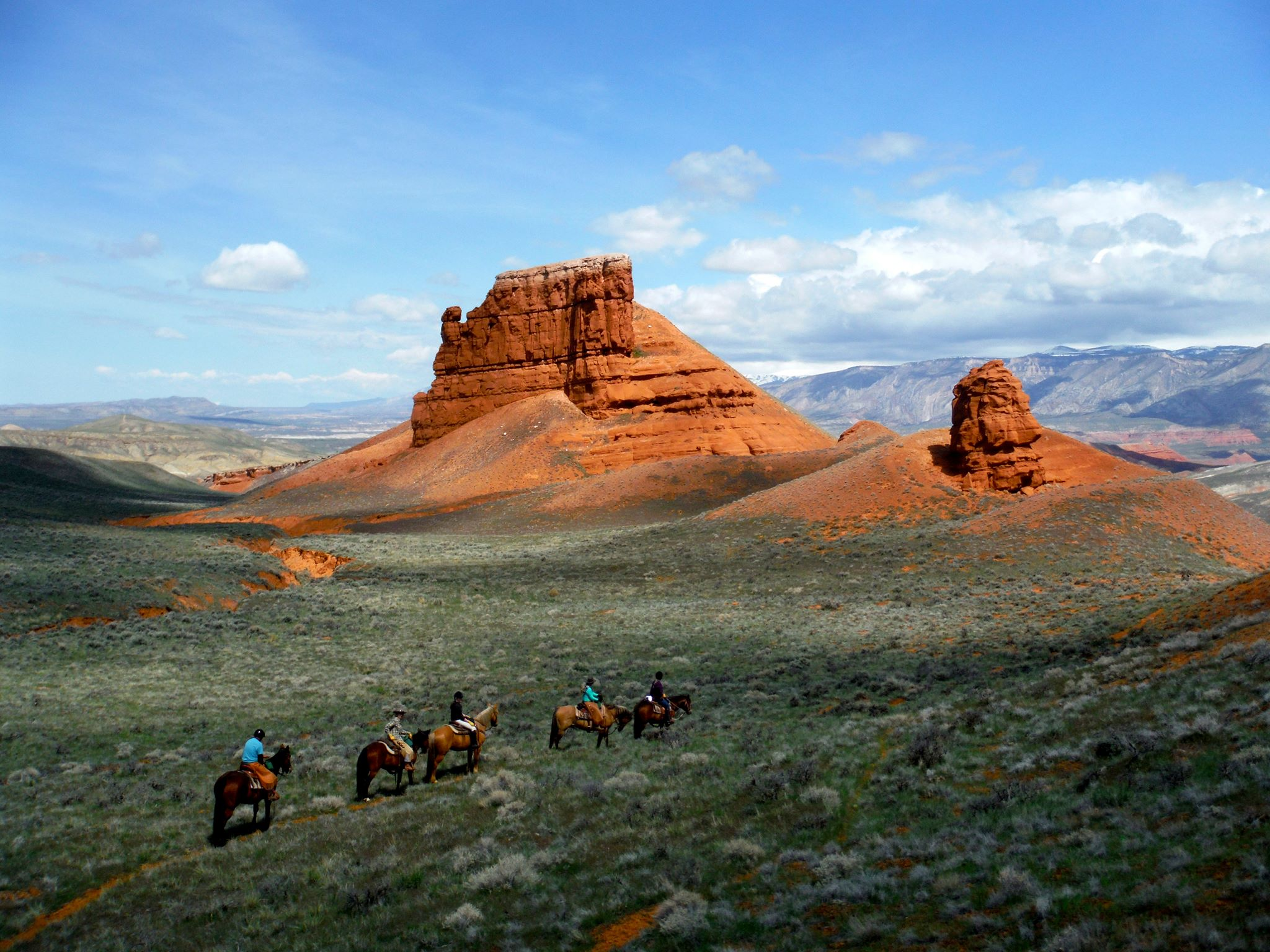 The Hideout Lodge and Guest Ranch offers shoulder season discounts