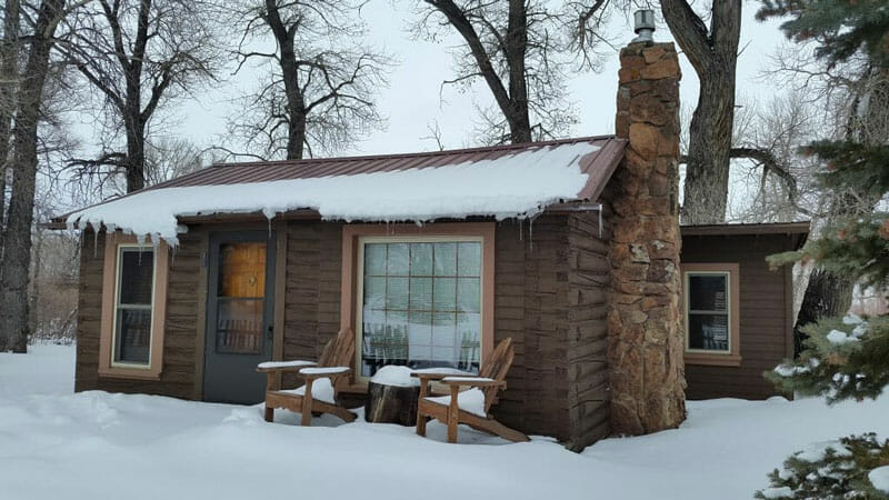 Vee-Bar-Winter-Snow-Cabin dude ranches
